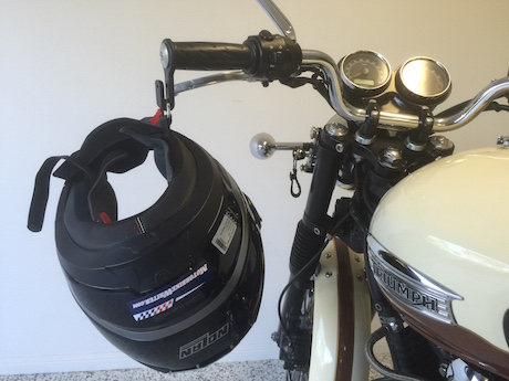 Helmet Hook How to protect and clean your visor hang