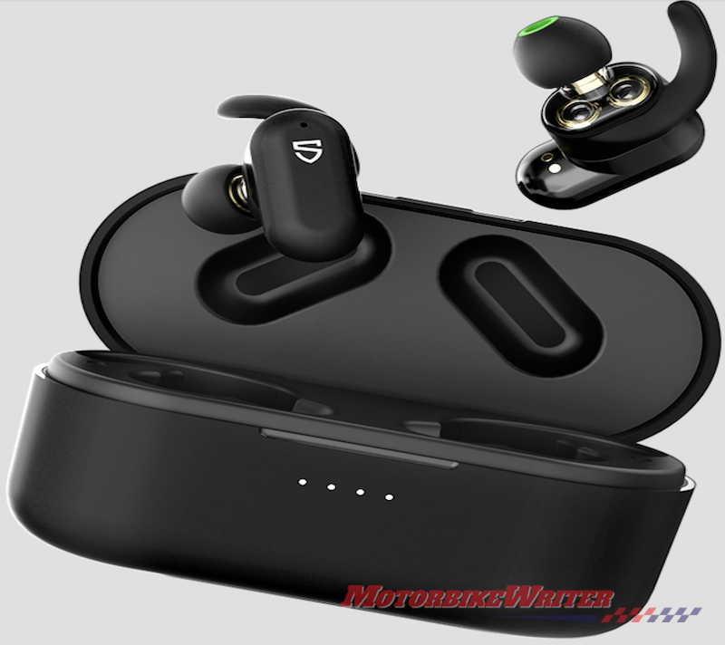 Mplus noise-cancelling earphones