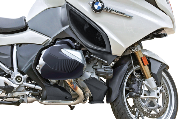 MachineartMoto X-Head Cylinder Guards on a BMW R 1250 RT