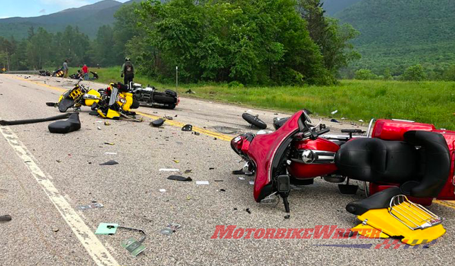 Pick-Up crash with US riders accident carnage