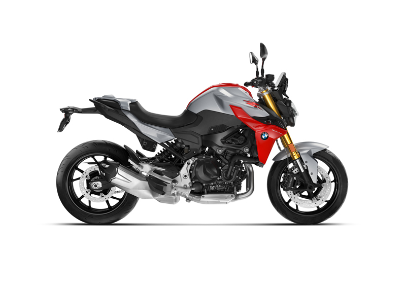 2020 BMW F 900 R in Hockenheim Silver Metallic/Racing Red