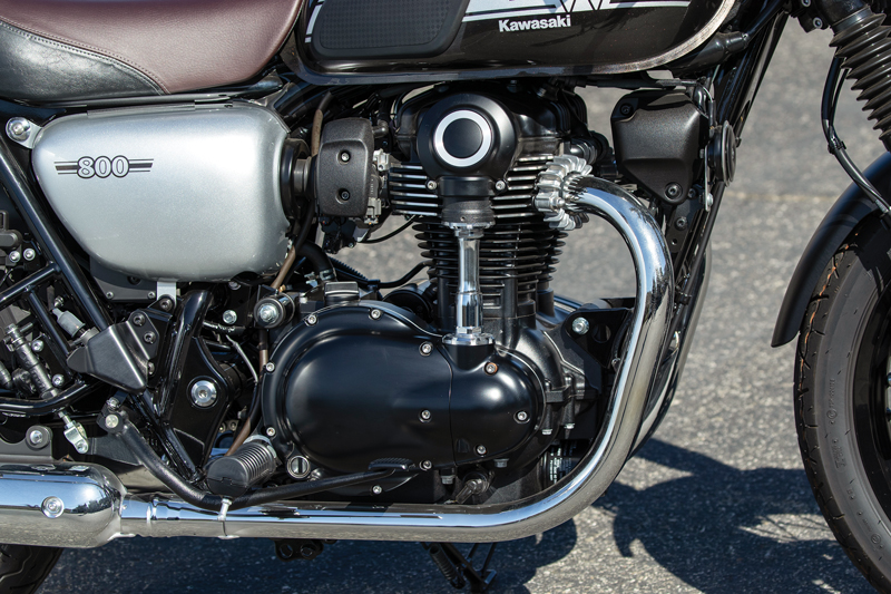 W800 Cafe engine