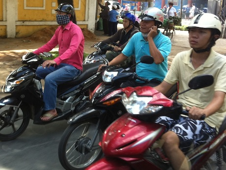 Vietnam - double mobile phone penalties