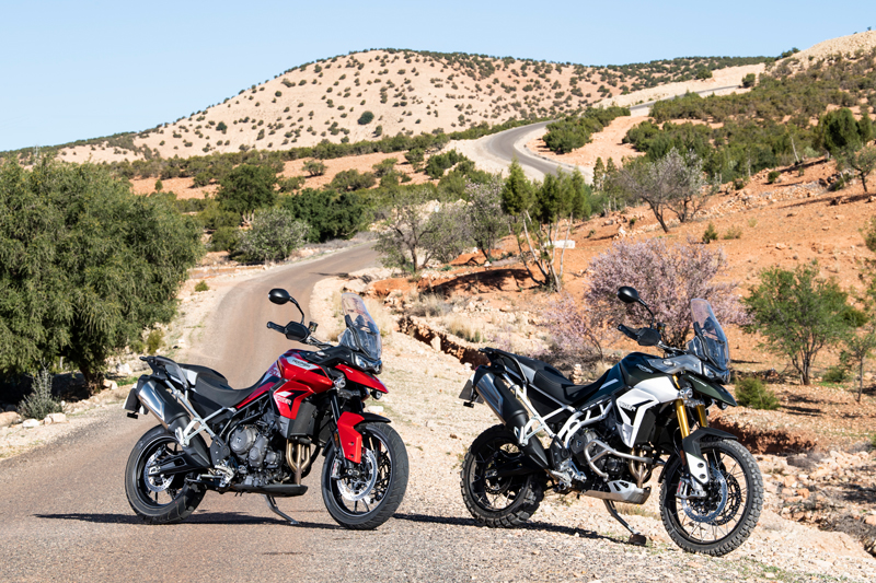 2020 Triumph Tiger 900 GT Pro (left) and Rally Pro (right).