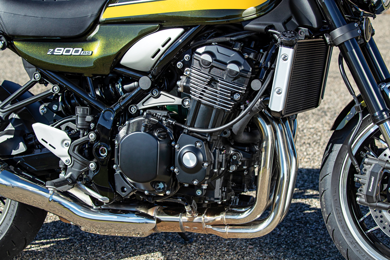 Kawasaki Z900RS engine