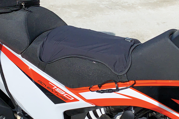 Warm & Safe Cyber Hot Seat installed on a KTM 790 Adventure