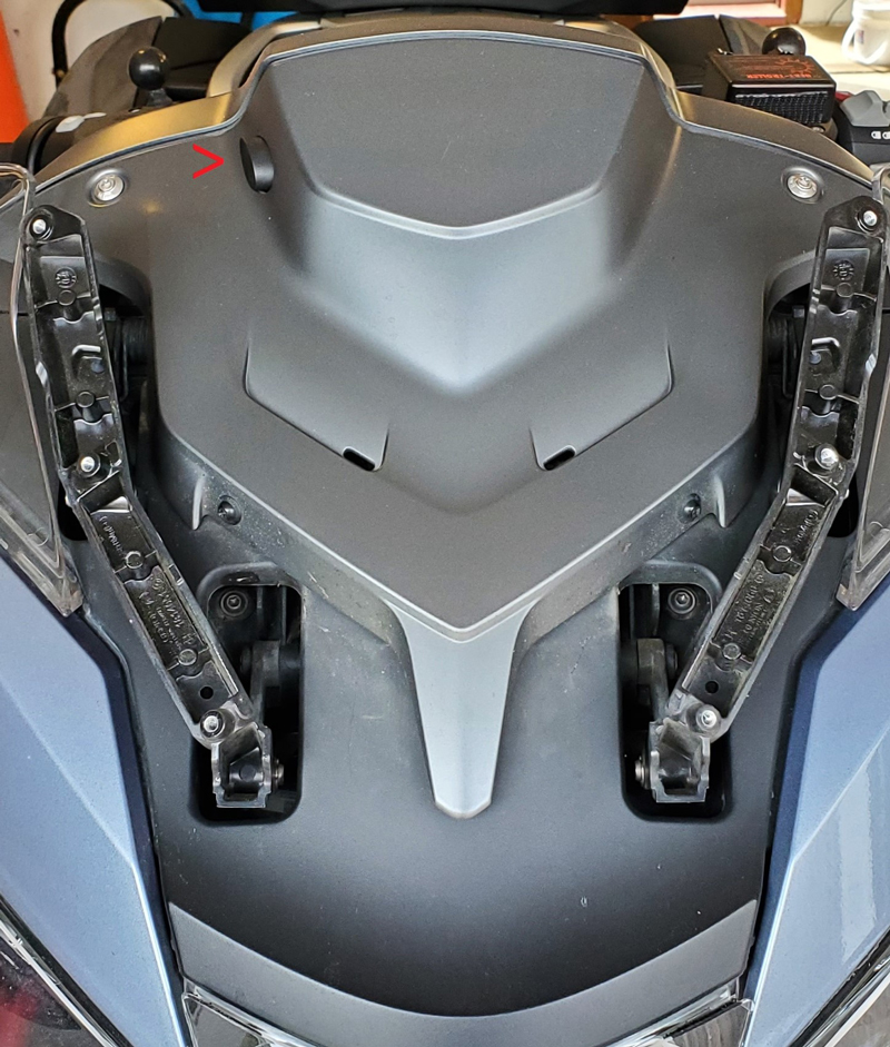Wunderlich Navigator Lock secures the GPS on 2014 and newer BMW R 1200/1250 RT motorcycles