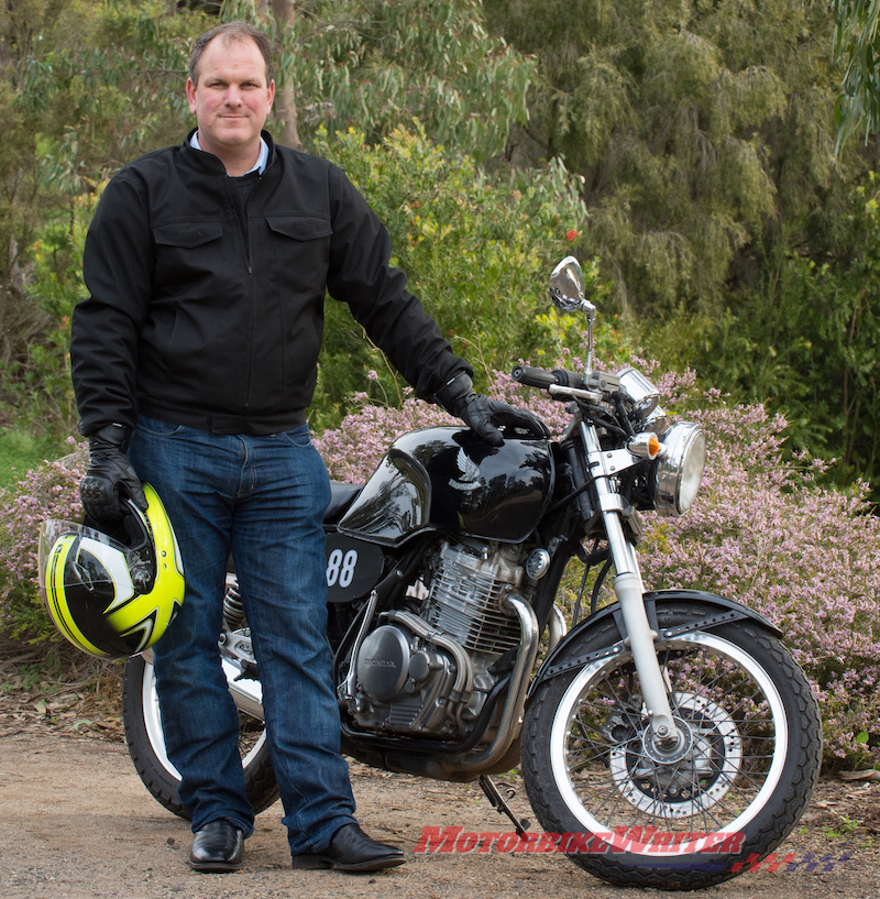MotoCAP senior researcher Dr Chris Hurren award single layer