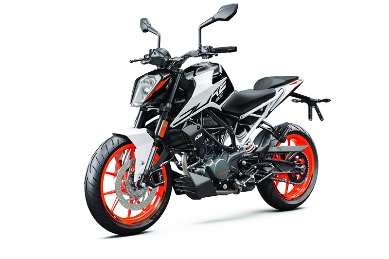 2020 KTM 200 Duke First Look Review