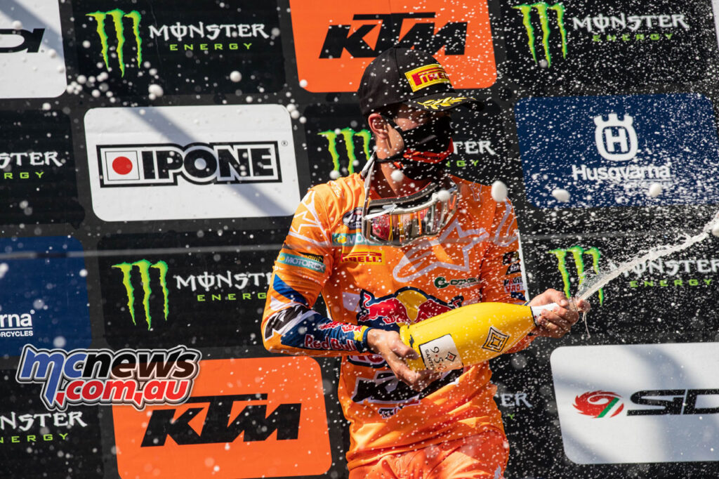 Tom Vialle claimed the MX2 victory, extending his lead