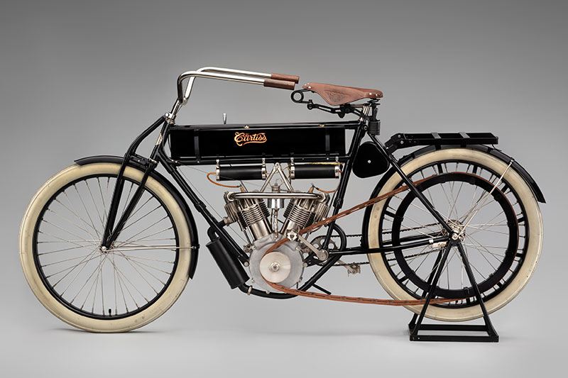 SFO Museum Early American Motorcycles 1907 Curtiss Double Cylinder