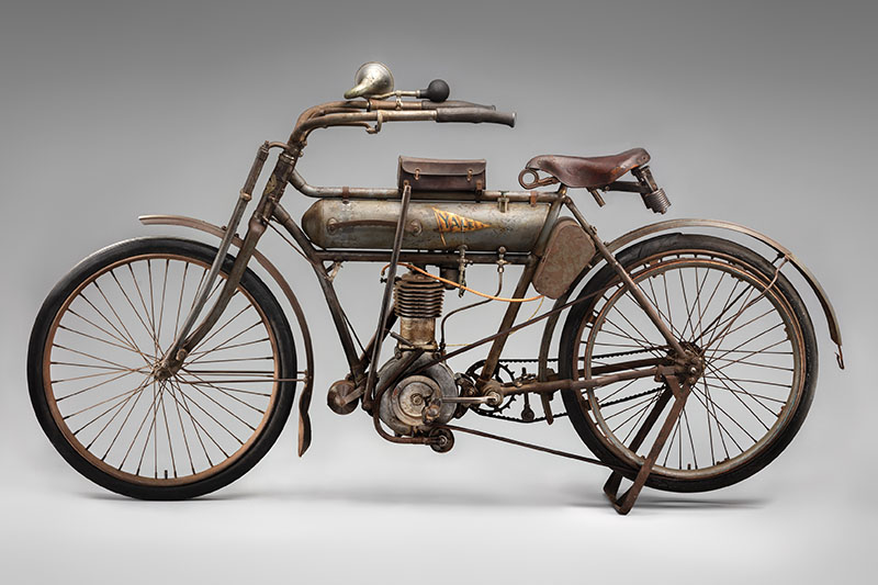 SFO Museum Early American Motorcycles 1910 Yale Single