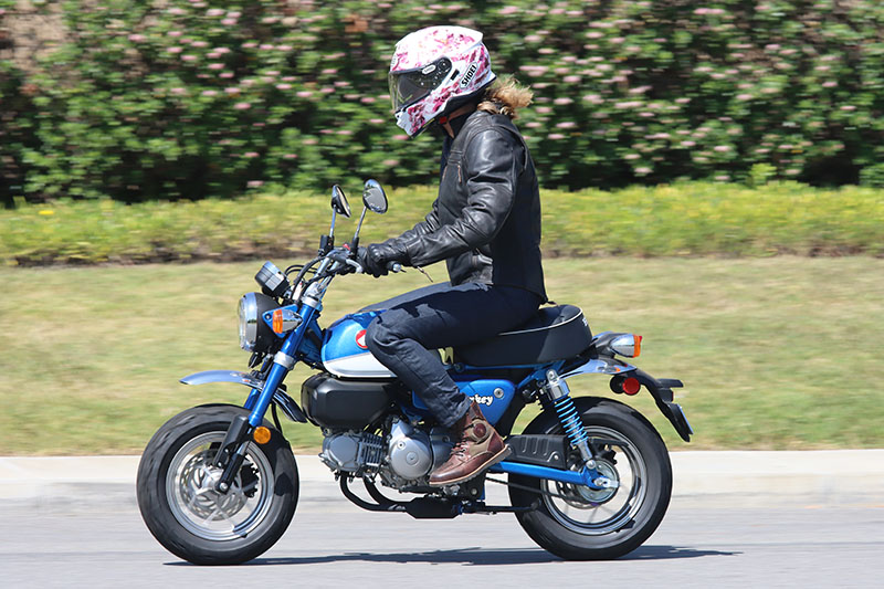 Honda Monkey Review Pearl Glittering Blue