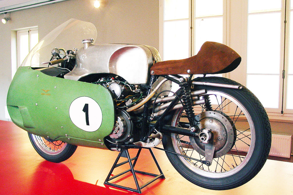 2021 Moto Guzzi V7 Stone - First Ride Review