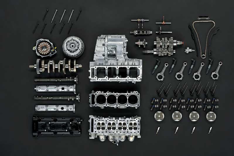 2022 Suzuki Hayabusa review engine disassembled