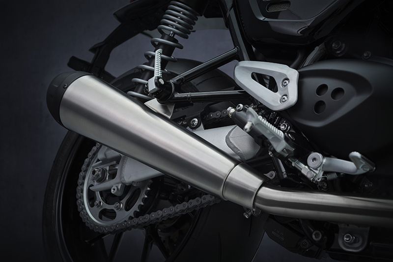 2022 Triumph Speed Twin review exhaust