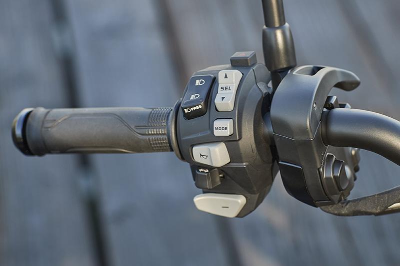 Honda DCT Dual Clutch Transmission Rebel 1100 left grip