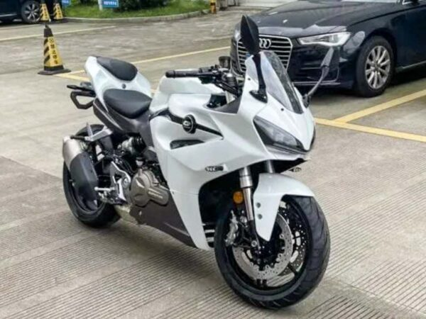 a full view of a new motorcycle with ties to both QJ Motors and Benelli