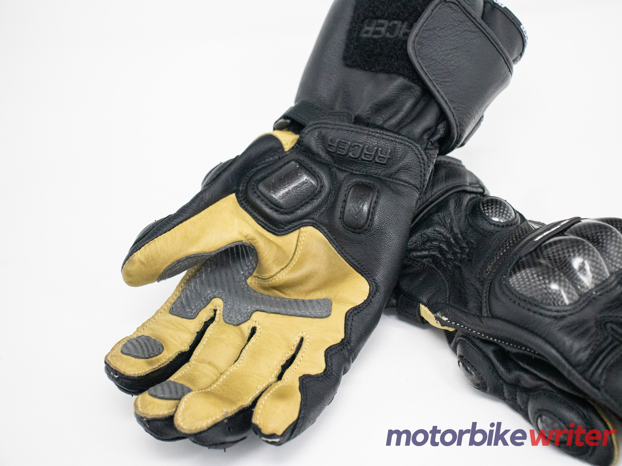 Both sides of the High Racer glove