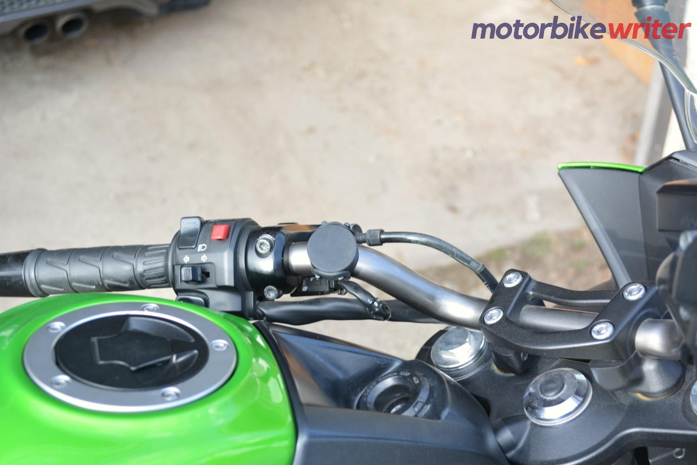 Shapeheart magnetic mount on Kawasaki handlebar