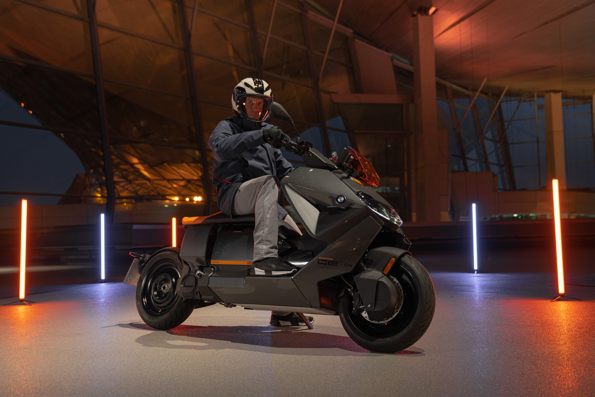 2022 BMW CE 04 scooter