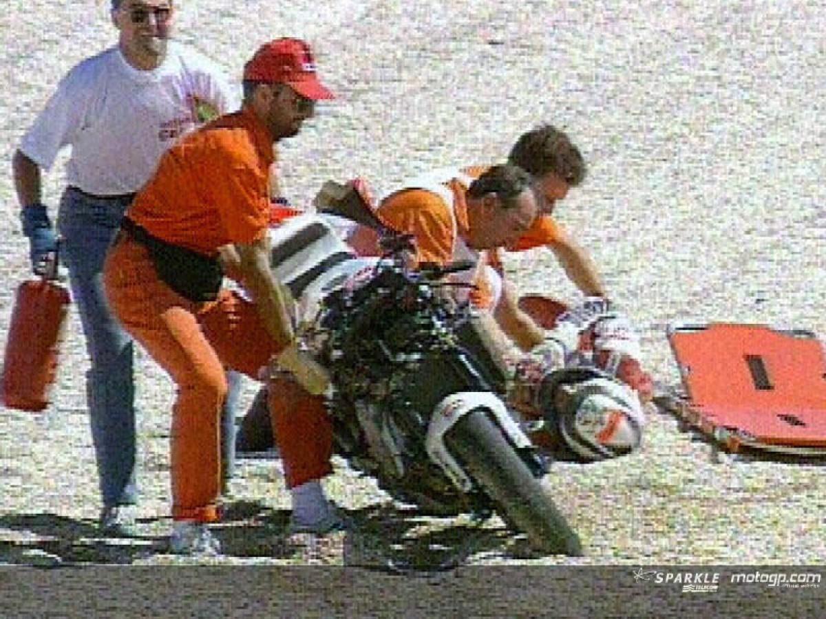 Moments after Wayne Rainey's career engine crash