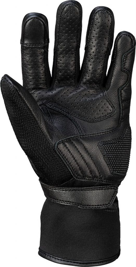 a back view of the all-new iXS Carbon-Mesh Sport Glove 4.0