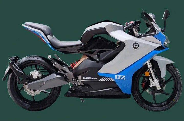 A view of the QJ Motor Group's new electric motorcycle, the QJ7000D - design patent images