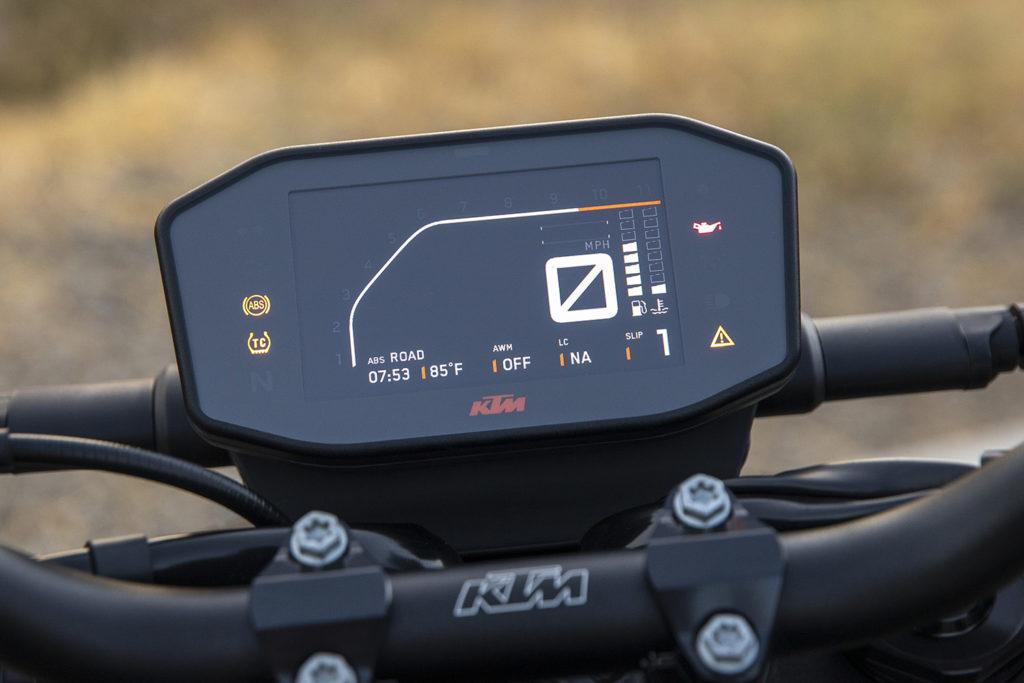 2021 KTM Dukes (200, 390, 890, 1290)   Comparison Review2021 KTM Dukes (200, 390, 890, 1290)   Comparison Review