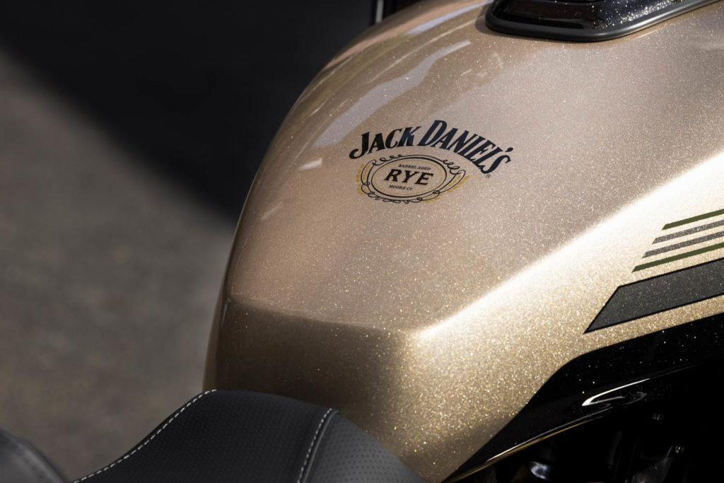 2022 Jack Daniel's Limited Edition Indian Challenger Dark Horse review